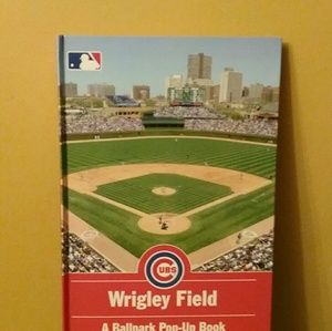 CHICAGO CUBS MAJOR LEAG WRIGLEY FIELD POP UP BOOK
